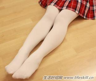 丝袜的花纹处不应有露针,否则会直接影响丝袜的牢度.