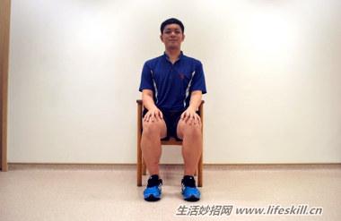 简易运动,改善背肌疼痛!