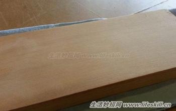 木制家具上的碰撞凹痕巧修復