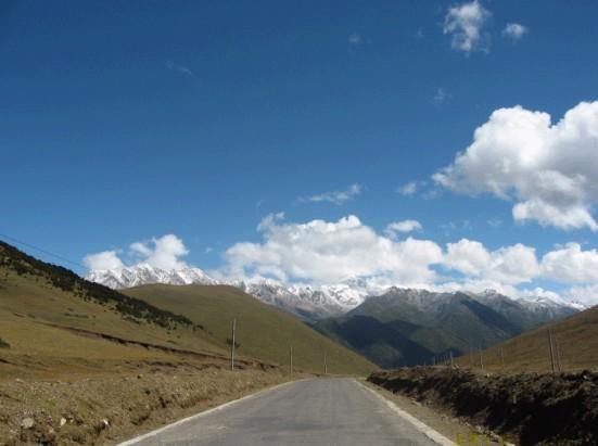 新疆农村路风景
